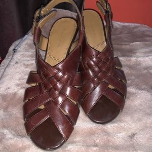 Tahari brown boho kitten heels